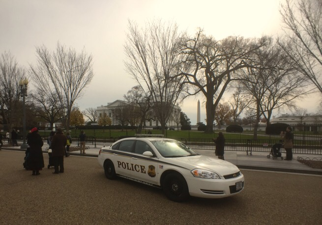 Secret service police car at the White House in Washington DC